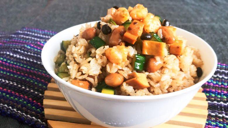 花样炒饭  什锦虾仁豆豉炒饭,什锦虾仁豆豉炒饭出锅了