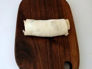 香蕉吐司卷,卷起成条