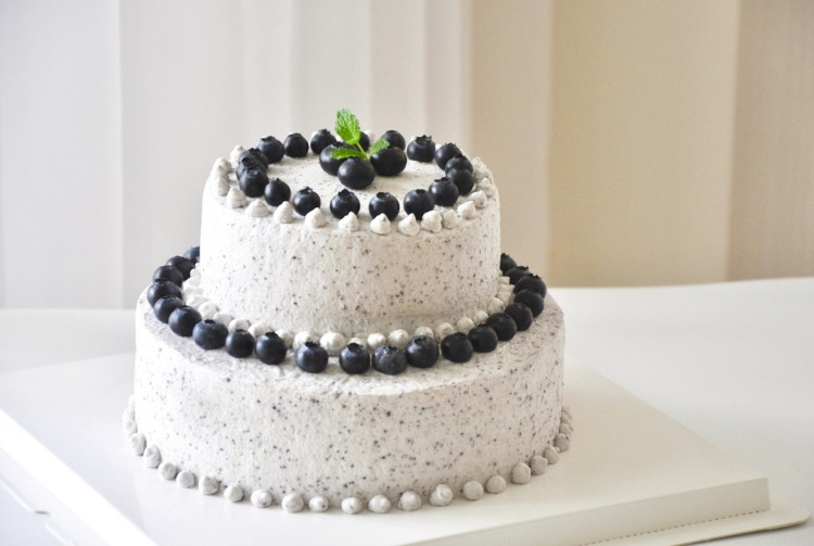 双层蓝莓蛋糕