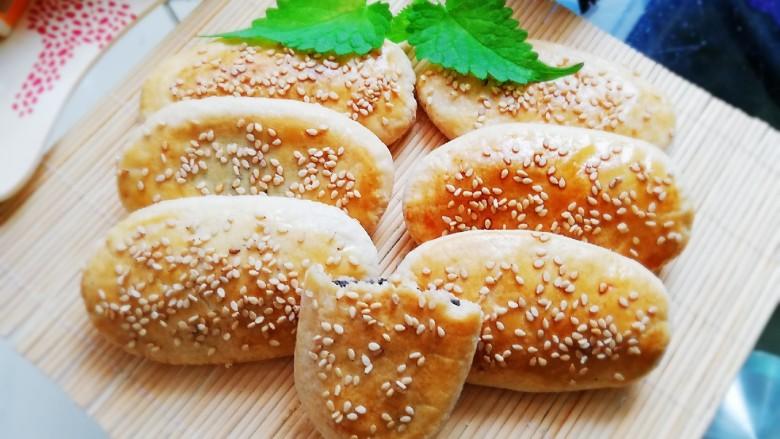 芝麻椒盐牛舌饼