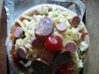 素食披萨,加肠