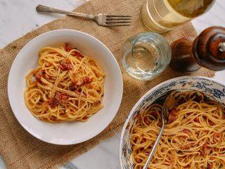 意大利面,不需要更多的配菜就已经很完美了。