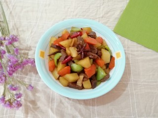 土豆烧牛肉,美味可口的下饭菜。
