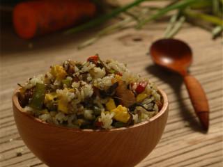 吃过一次就停不下来:橄榄菜四季豆肉丁蛋炒饭, 完成!香喷喷!开动!
