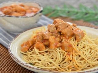 上海辣肉冷面—属于冷面的季节来了,整一碗最亲切的老上海味道