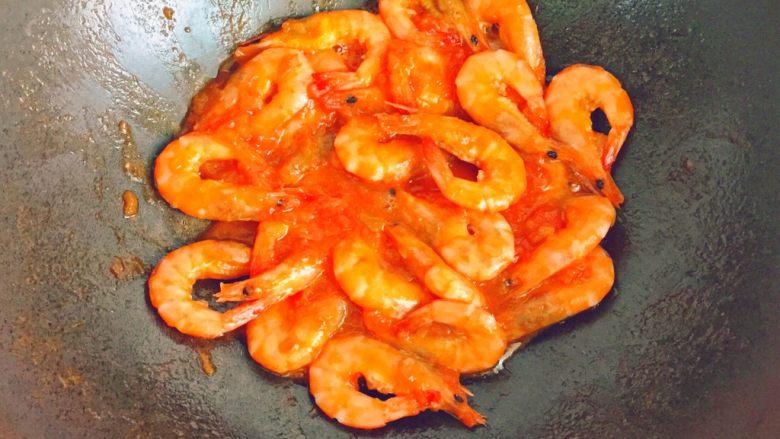 茄汁大虾,收汁即可出锅(虾不要煮太久)。