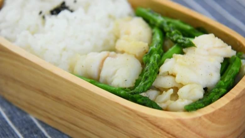 芦笋炒龙利鱼柳—清淡爽口,营养又美味,装入便当盒,美味就是这么做出来的~