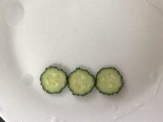 高颜值越南春卷,摆上黄瓜片