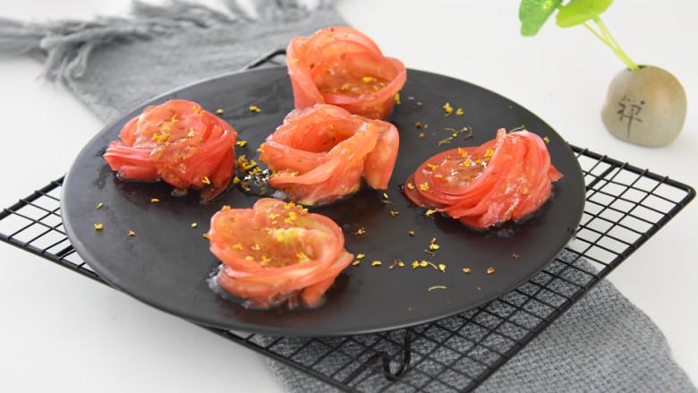 玫瑰花版的糖拌西红柿,既美观大方又清爽解暑