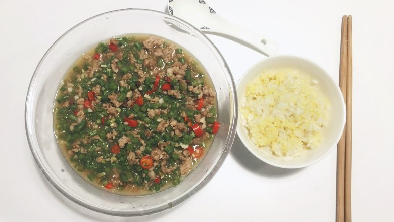 集快手简单零失误下饭于一身 — 小米椒肉末豆角