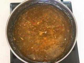 家常美味酸菜鱼,只留下煮好的鱼汤