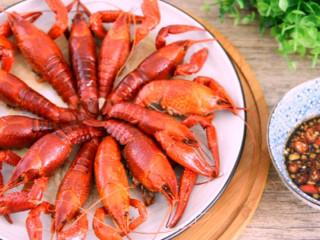 快手小龙虾,看着世界杯,喝着凉爽的啤酒,配着鲜美的龙虾
