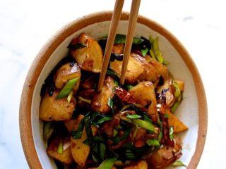 回锅土豆,来试试吧!
