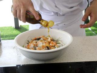 史上最好吃的沸腾水煮鱼,放入花椒油,提麻味。