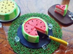 夏季私房热门的西瓜蛋糕