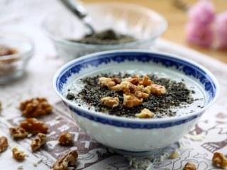 核桃仁芝麻糯米粥