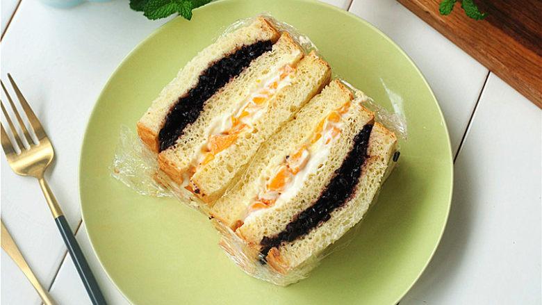 黑米芒果奶酪三明治