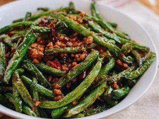 干煸四季豆,超级下饭的一道菜。