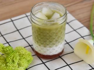 草莓抹茶牛奶—让你冰爽一夏,还不赶快来一杯