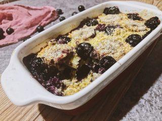 香蕉蓝莓烤燕麦,成品图。