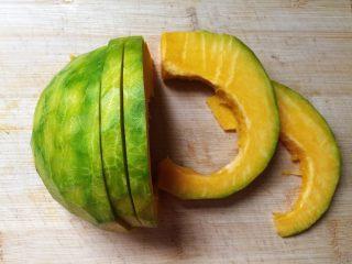 蜂蜜烤南瓜,切成厚薄適中的片