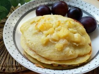 松饼蜜桃派~,松饼蜜桃派就做好了,热一杯牛奶享受你的早餐吧,是不是非常简单又健康?
