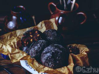 醇黑巧克力裂纹曲奇