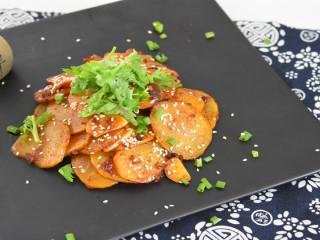 在家自己做干锅土豆片,色香味美有食欲!