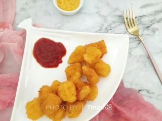 自制鸡米花,学会了再也不用去KFC,配上自己喜欢的番茄酱开吃啦~~~