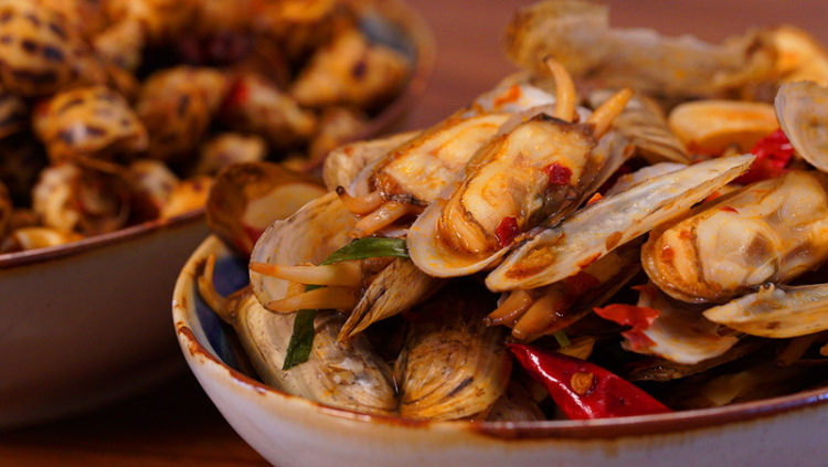 辣炒花甲+辣炒蛏子+辣炒花螺:万能的辣炒小海鲜方子