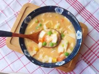 咸蛋虾仁豆腐煲,非常鲜美哦