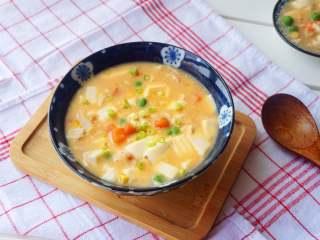 咸蛋虾仁豆腐煲,好吃又有营养