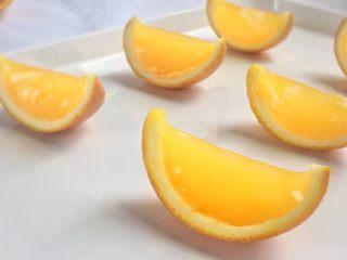 夏日小清新:橙子果冻,晶莹的模样、顺滑的口感。