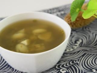 每个夏日必备的解暑佳品—绿豆百合汤