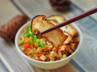 松茸饭,黄油煎松茸+松茸饭,香气袭人;