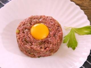 鞑靼牛肉:美食也可以很野蛮