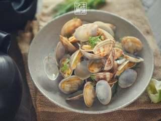 承味莳萝 清酒 蒸蛤蜊,这才是深夜食堂的标配吧。