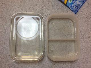 冰爽一夏: 红糖冰粉,将冰粉水倒入模具中,待其凉透便会凝固。  不过最好别着急吃,我一般提前晚上做好,放入冰箱冷藏一夜更美味。