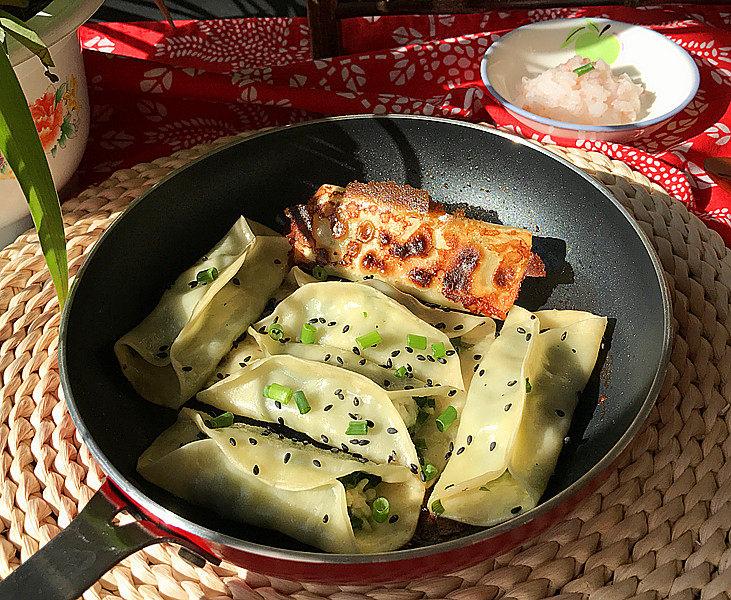 磷虾韭菜锅贴