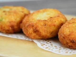 土豆可乐饼—没有可乐却叫它可乐饼?,金黄酥脆,想吃就吃!
