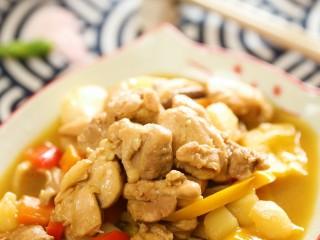 宝宝黄焖鸡24m+,翻炒一下,大火收汁,就可以出锅啦~香喷喷的黄焖鸡就做好了,配上米饭吃起来吧~