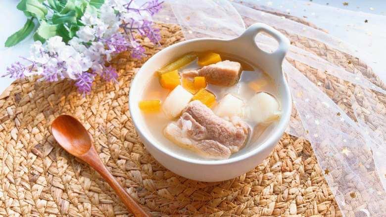 【宝宝辅食】胡萝卜山药排骨汤