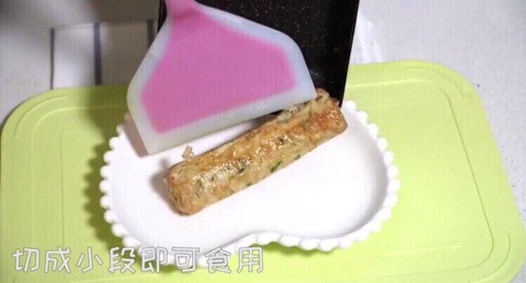 三文鱼厚蛋烧,切成小段即可食用