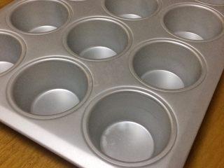 蓝莓酸奶麦芬杯,今天用小蛋糕烤盘做麦芬,也可用硬纸杯做。