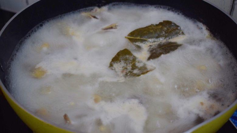 柠檬鸡爪,继续煮10分钟