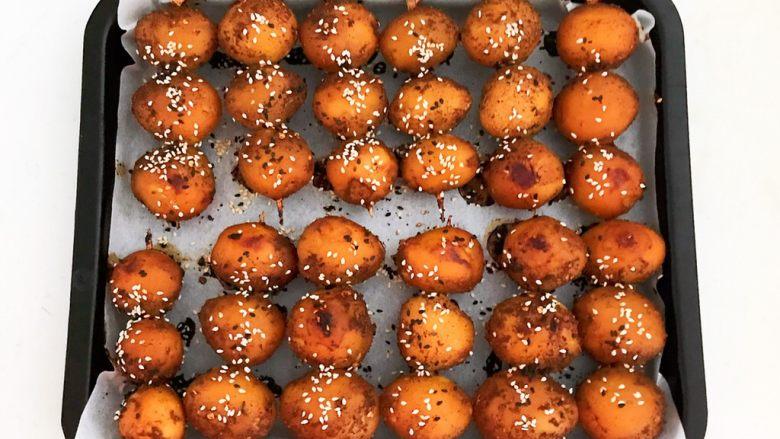 香辣土豆串,香辣土豆串烤好了