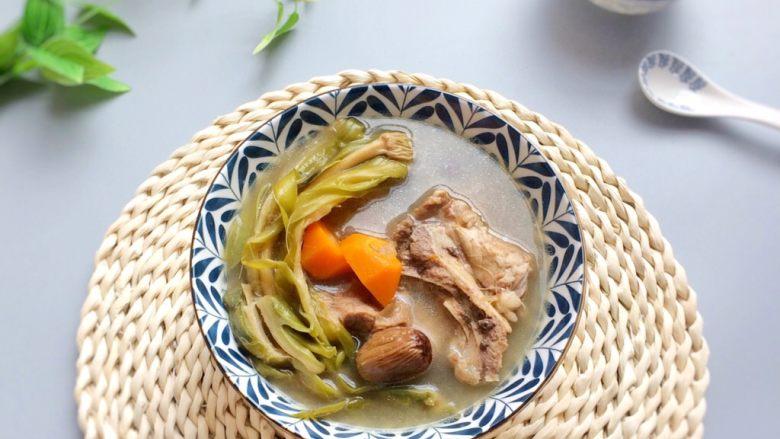 老火靓汤: 蜜枣剑花骨头汤