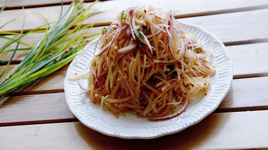 洋葱拌土豆丝