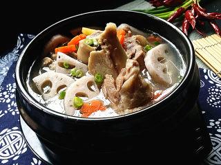 筒骨莲藕汤,配碗米饭,真的好好吃哈
