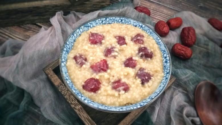 营养早餐――红枣小米粥